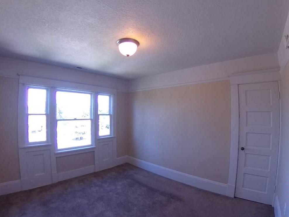 622 Bedroom