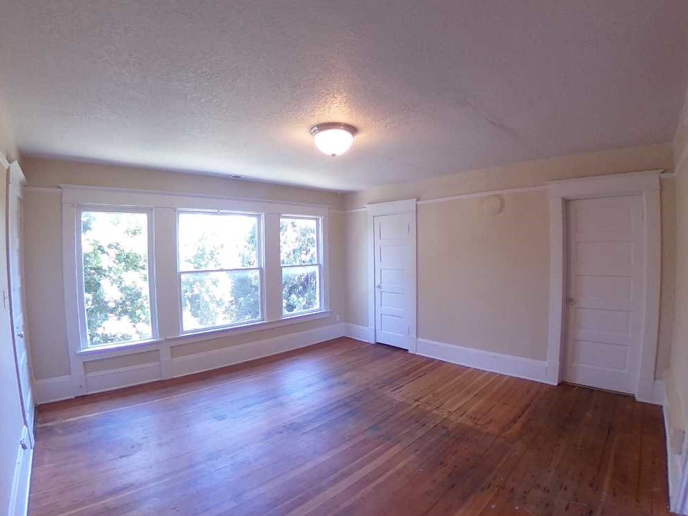 622 Living Room 1